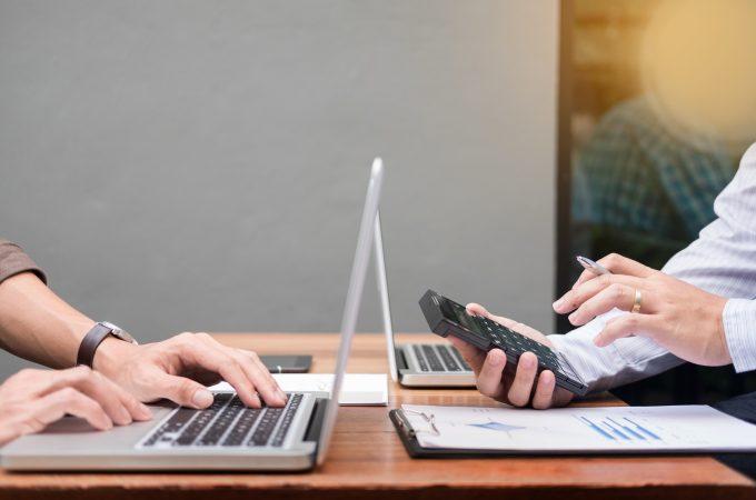 個人事業主は事業用口座を開設しよう。口座分けや屋号のメリットを徹底解説