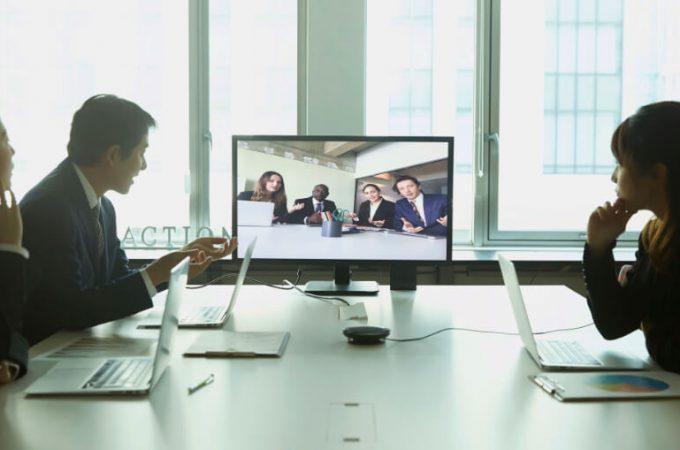 【今さら聞けない】Zoomの使い方: テレビ会議に参加する方法